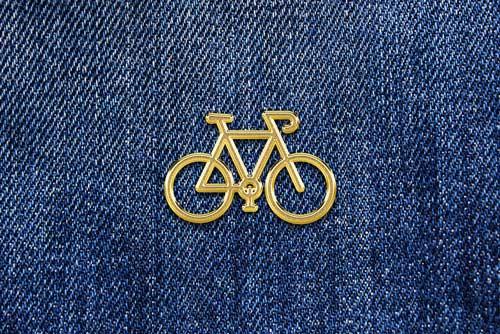 gold-emblem-pin-mockup